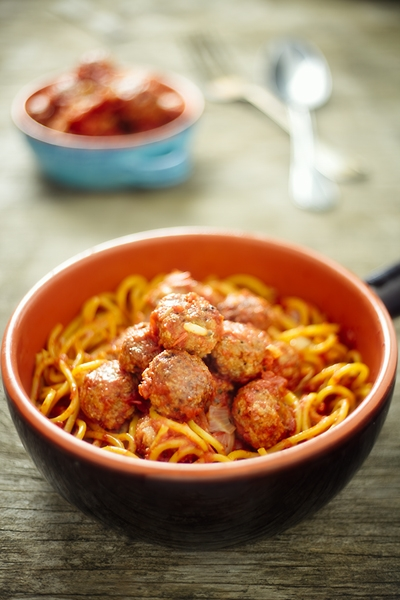 Spaghetti alla Chitarra con Polpette - Spaghetti alla Chitarra with Meatballs